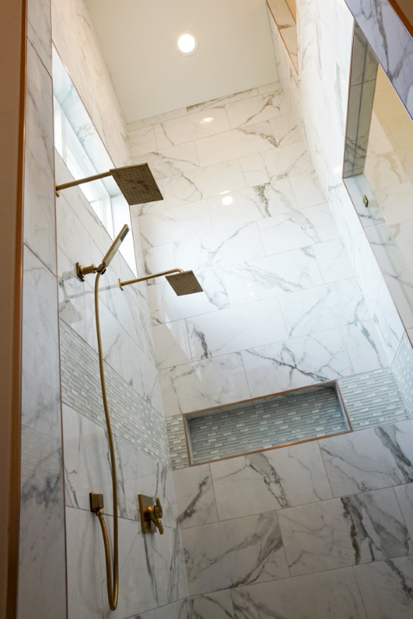 shower in home built by Solis Builders, Carencro LA